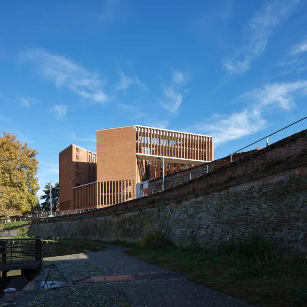 Toulouse School of Economics