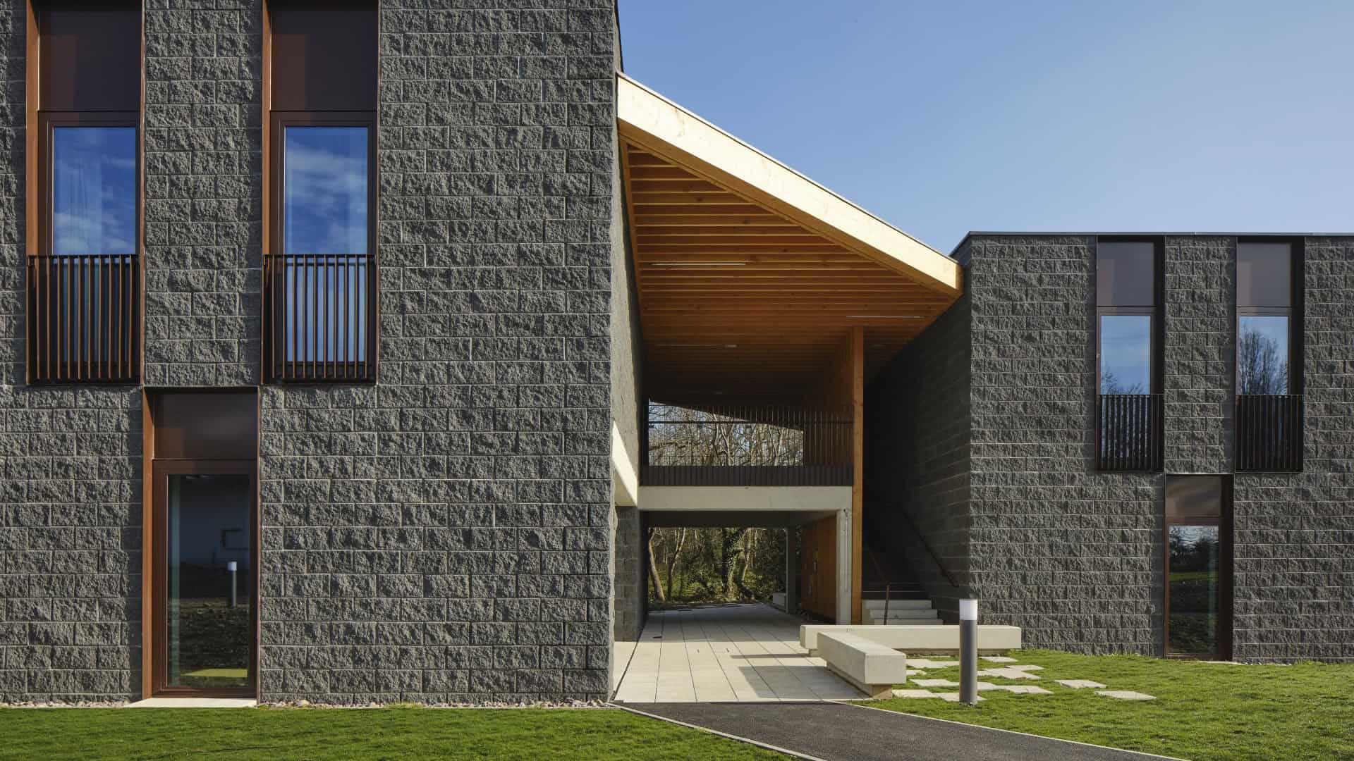 Staff residence for luxury Irish hotel by Gottstein Architects